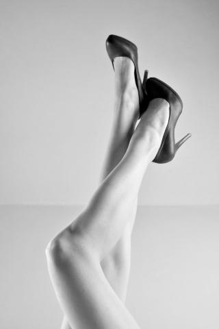 Model, boudoir, long legs, high heels,